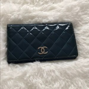 Chanel quilted CC Yen wallet!